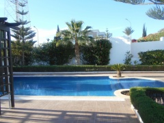 Holiday letting Amazing 3 Bedrooms Villa with Private Swimming Pool  Ref: T32036