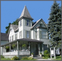 Holiday letting Henniker House Bed & Breakfast