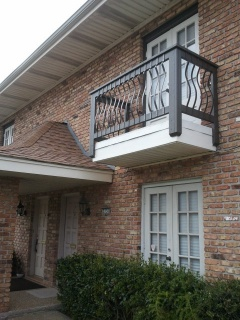 Holiday letting New Orleans Suburban Townhome in Metairie with Swimming Pool