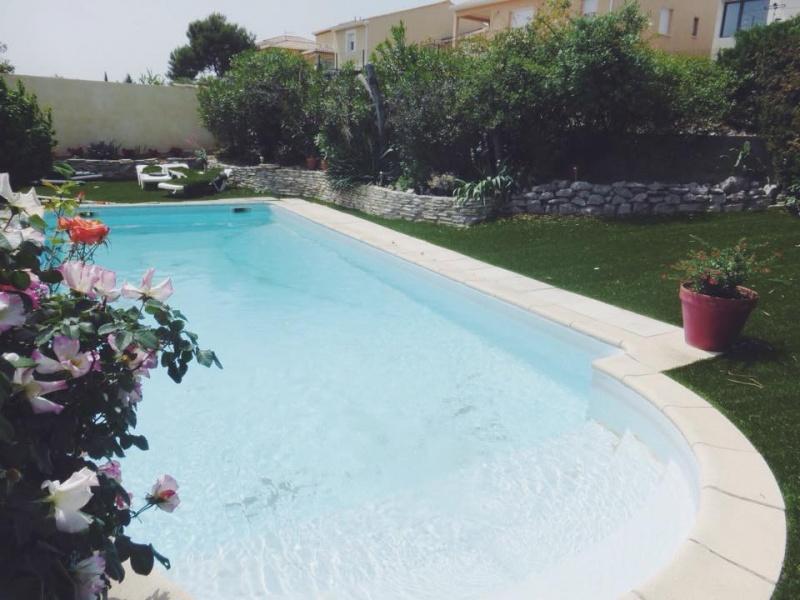 location vacances villa avec piscine 8 personnes